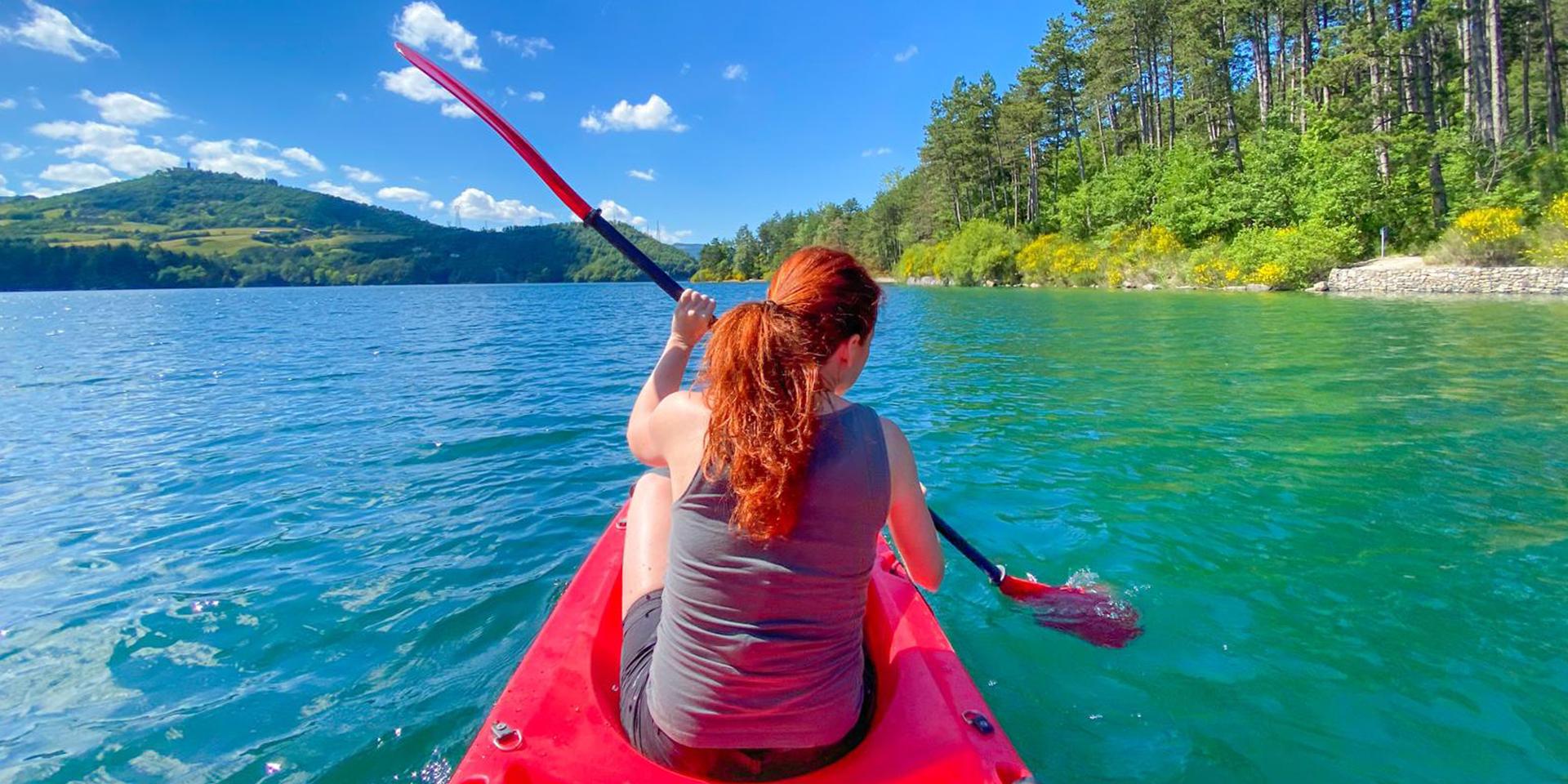 lago di fiastra in canoa